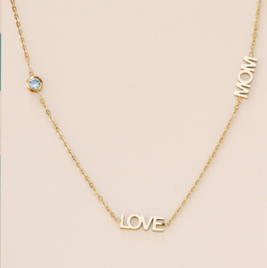 LOVE MOM logo